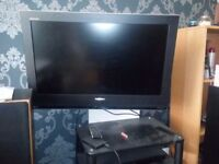 "Toshiba 32"" LCD Flat Screen with Wall Bracket. Freeview+Controller included"