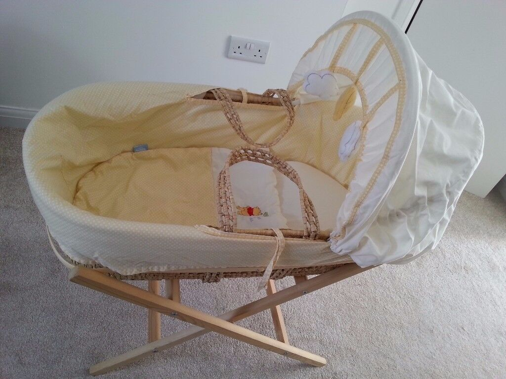 Winnie the Pooh Moses Basket & Stand