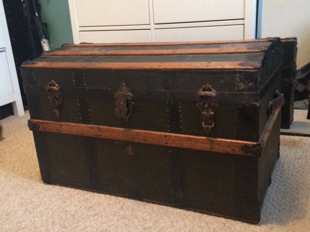 Antique Trunk Large Chest Or Blanket Box Or Coffee Table