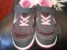 girls adidas trainers size 1.5