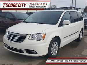 2013 Chrysler Town & Country Touring **PST PAID**