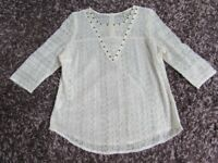 PAPAYA MATALAN TOP ALL OVER LACEY 3/4 SLEEVE SIZE 18 CREAM WITH STUD DETAIL