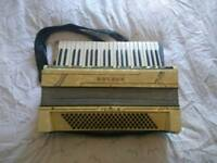 Hohner Verdi III Piano Accordian