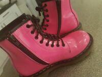 Original Dr Martin boots in pink hardley worn. Childrens size 13