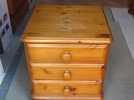 Ducal pine 3 drawer bedside table with bun feet