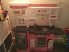 Children's Plastic Play Kitchen with sounds