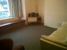2 BEDROOM FLAT TO RENT,CENTRAL LARGS.