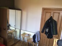 ROOM IN 2-BR-FLAT AVAILABLE NEXT TO VICTORIA PARK. 15 min. walk to Unionsquare