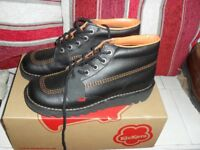 mens brand new kicker boots still in box