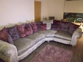 Gorgeous corner suite £750