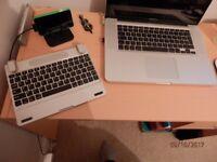 iPad 2 Keyboard with speakers