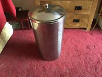 CHROME EFFECT LAUNDRY BASKET & 2 OVER RADIATOR CLOTHES AIRERS