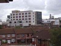 """SHORT TERM""2 Bed furnished flat near Portsmouth Uni AND Gunwharf Quays from first week June"