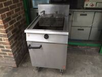 CATERING GAS FRYER COMMERCIAL FISH CAFE KEBAB CHIPS SHOP RESTAURANT TAKE AWAY FAST FOOD KITCHEN
