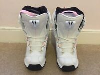 Ladies Salomon Snowboard Boots Size 4/5