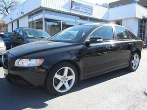 2011 Volvo S40 T5 Level 2 ( !! 65000KM. TOIT, IMPECCABLE !! )