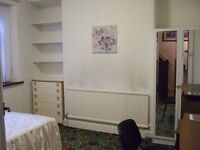Quiet Double Bedroom in Gorgeous House for Students