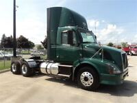 2011 Volvo VNL64T-DAYCAB HEAVY SPEC WITH WETLINE