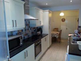 A spacious double room in Dunluce Avenue, Lisburn Road, BT97AW