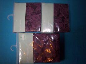 New Rectangular Damask Table Cloth & Napkins IP1