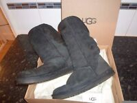UGG BOOTS IN BLACK UK SIZE 5 ONLY £10