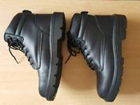 Safety boots size 11 new