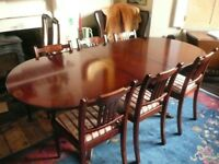 Mahogany Wood Oval Extending Dining Table with six chairs £60