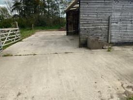 Barn & Hardstanding yard