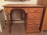 Pine dressing table with 4 drawers.