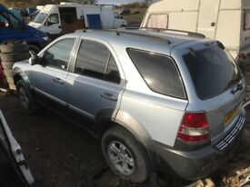 Kia Sorento diesel spare parts available doors alloy wheels ecu set