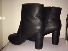 * BARGAIN* ATMOSPHERE Ankle elegant Block Heeled Boots matt SIZE 7, 40/41 WORN TREE TIMES
