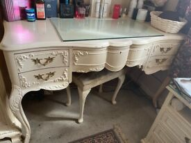 Dressing table for sale!!!