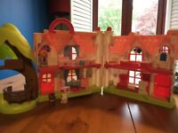 Happyland Cherry Tree Cottage