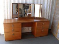 STAG FURNITURE TEAK SIX DRAWER DRESSING TABLE WITH TRIPLE MIRROR FREE DELIVERY