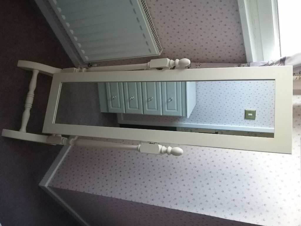 CREAM CHEVAL FREESTANDING BEDROOM MIRROR EXCELLENT CONDITION