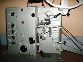 RCA HOLLYWOOD STAR (LMI-32263) 16mm film sound projector with external speaker and spare reel