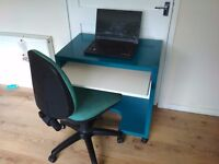 desk on the wheels with chair