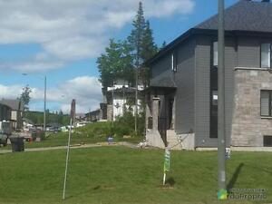 346 000$ - Jumelé à vendre à Charlesbourg Québec City Québec image 1