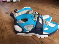 Nike trainers / boots size 5 great condition