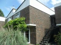 Large part furnished ground floor studio flat located off the woodstock rd, North Oxford with Garage