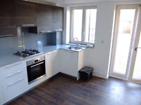 Stunning brand new 4/5 bed house with lounge and 3 baths&garden in Hendon-5 min to Uni!