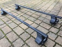 Thule 754 footings and 127cm Thule square roof bars for Audi A3
