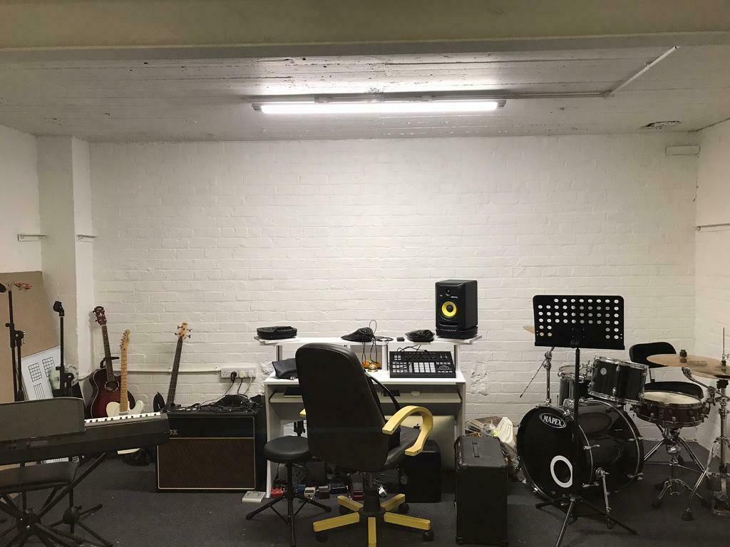 Practice Room 24 Hour Rehearsal Drumming Guitar Bass Room Hire Rent Music Studio In Glasgow City Centre Glasgow Gumtree
