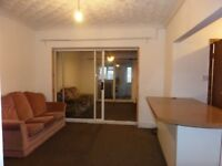 Two Bed/Two Bath Ground Flat - Bills Incl - Hatton Cross!