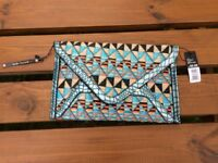 Gorgeous clutch handbag with attachable gold chain style strap