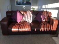 2 & 4 seater leather sofas £140 Ono ex DFS