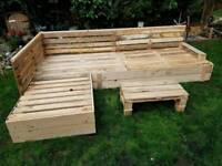 Garden wooden pallet L Shaped furniture with table