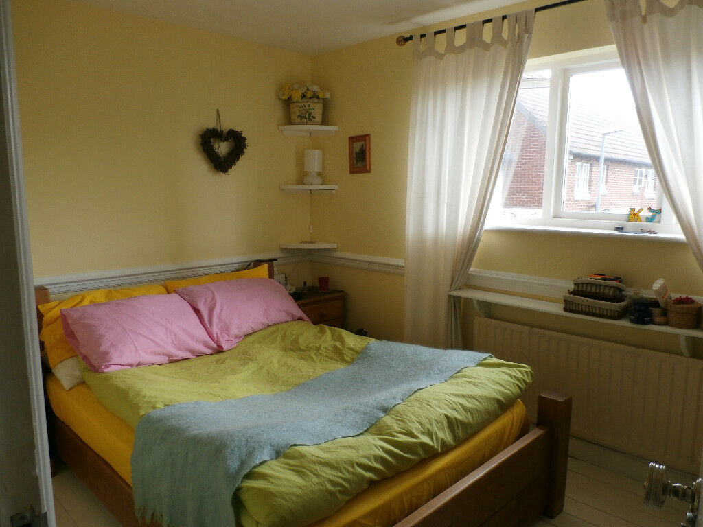 Double room in Kingston. Includes bills, flexible move in day