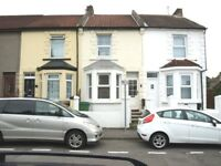 3 bed terrace house in Coulman Street, Gillingham, kent