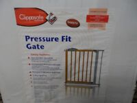 CLIPPASAFE PRESSURE FIT GATE BRAND BRAND NEW BOXED .